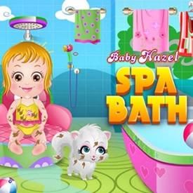 Baby Hazel en la bañera